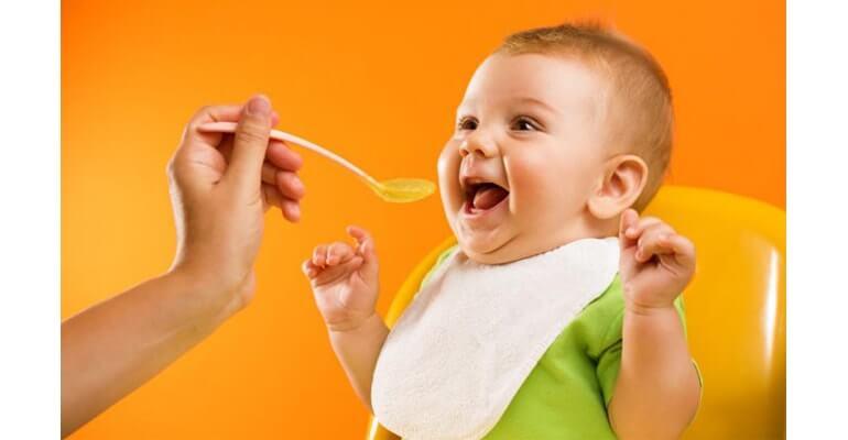 Льняное масло помогает от запоров у детей