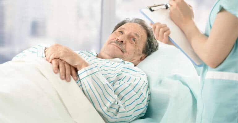 Что делать, если запор у лежачего больного?