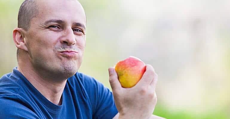 можно ли есть яблоки при запорах